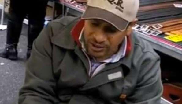 Mustaf il venditore comico di porta portese video - Porta portese lavoro pulizie ...