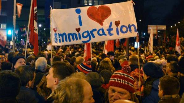 Uno dei raduni di solidarietà con gli immigrati
