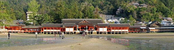 700px-Itsukushima_Shinto_Shrine