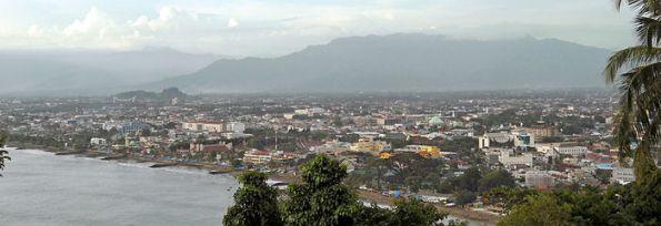 700px-Padang_dari_Gunung_Padang_2