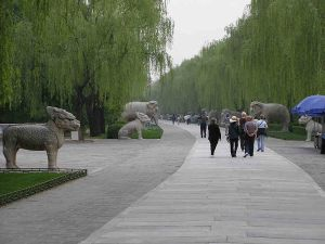 800px-Ming_tombs_beijing_spirit_way_animal_figures
