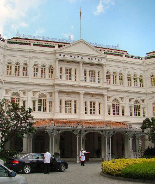 800px-Singapore_Raffles_Hotel