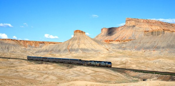 Amtrak_California_Zephyr_Green_River_-_Floy_Utah