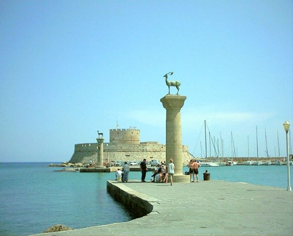 Rhodes_harbour