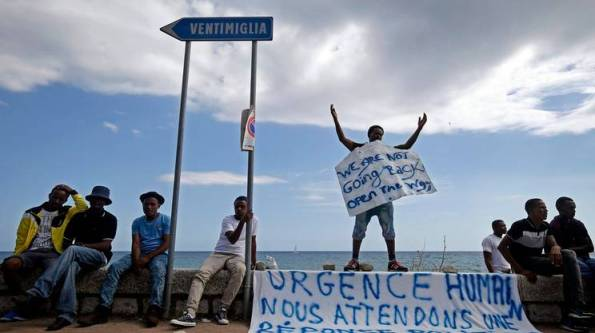 Immigrati bloccati a Ventimiglia