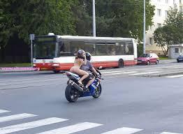 nuda-motocicletta