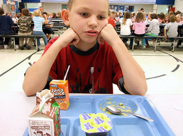 y-school_lunch-thumb-266x198-115058