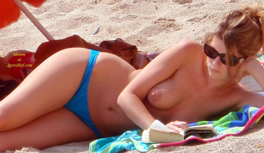 Porn Full HD topless beach voyeur pic